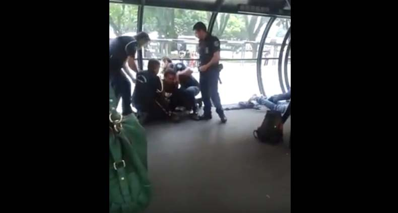 Músicos são presos em estação-tubo