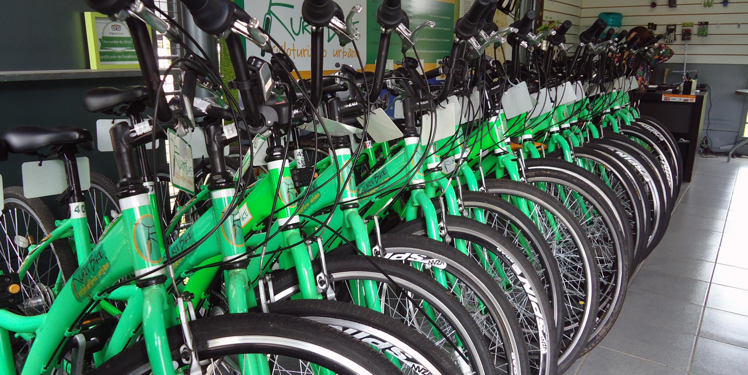 É possível alugar e emprestar bikes para passear em Curitiba!