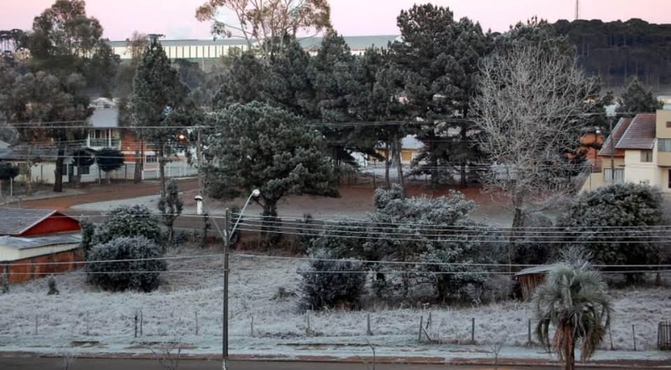 Feriadão começa com 3 °C em Curitiba
